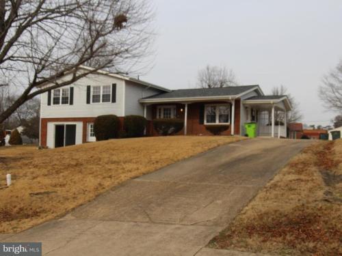 3960 Fairfax Street Photo 1
