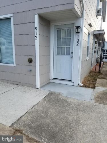 912 Montgomery Street Photo 1