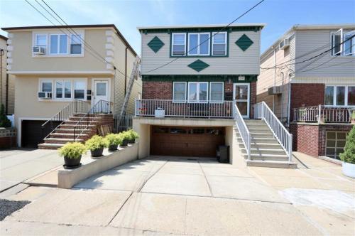 160 W 21st Street Photo 1
