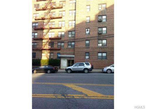500 Riverdale Ave Photo 1