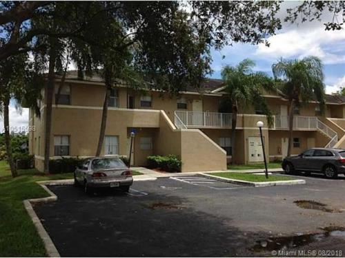 10903 Royal Palm Boulevard Photo 1