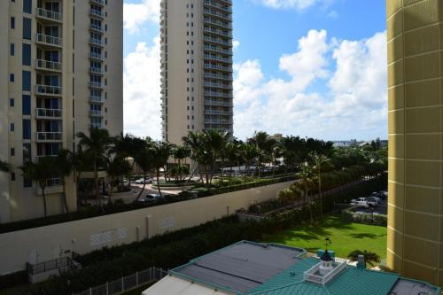 2800 N Ocean Drive Photo 1