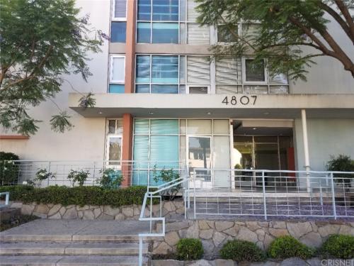 4807 Woodley Avenue Photo 1