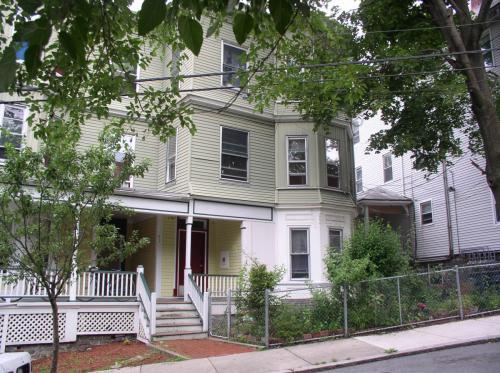 91 Sheridan Street Photo 1