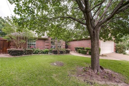 5105 Indian Trail Ct Photo 1