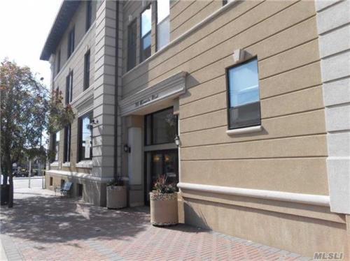 39 Mineola Boulevard #3C Photo 1