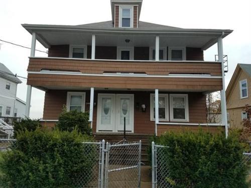 26 Crescent Street #1B Photo 1