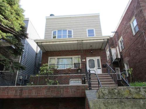 619 18th Street Photo 1