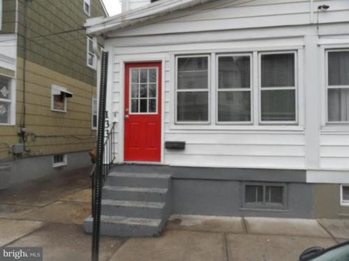 133 Randall Avenue Photo 1