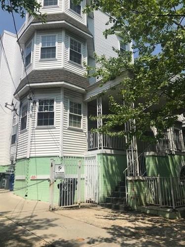 271 S 8th Street Photo 1