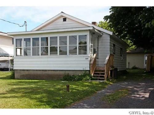 369 Beach Road Photo 1