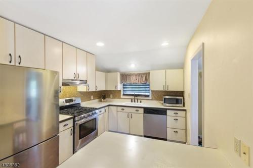 90 Silver Spring Road Photo 1