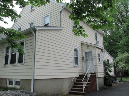 521 Woodlawn Avenue Photo 1