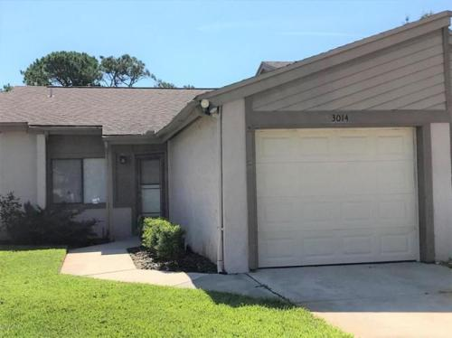 3014 Sea Hawk Drive E Photo 1