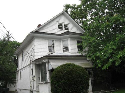 20 Maple Avenue Photo 1