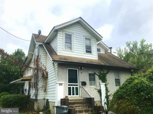 1100 Grant Avenue Photo 1