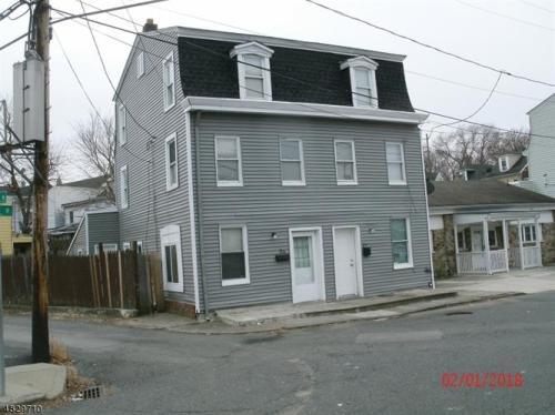 25 River Street Photo 1