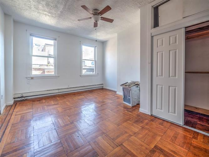 Fantastic 278 4Th Street Apt 1 Jersey City Nj 07302 Hotpads Home Interior And Landscaping Ferensignezvosmurscom