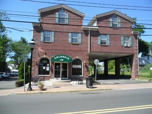 208 Centennial Ave A Photo 1