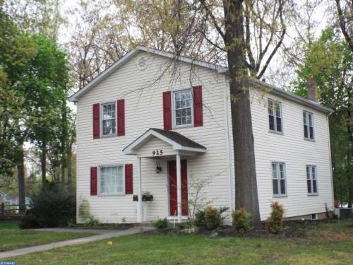 925 Burlington Ave Photo 1