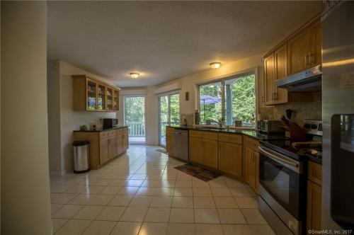 80 Fernwood Drive Photo 1