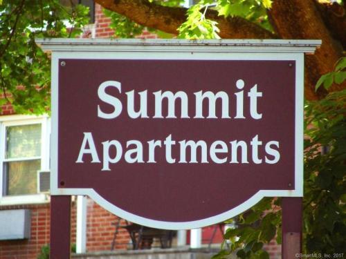 1 Summit Drive Photo 1