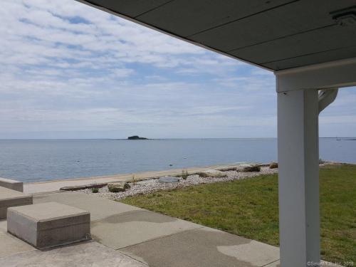 472 Seaside Avenue Photo 1