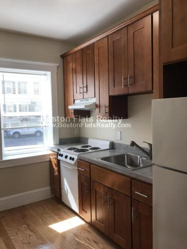 895 Huntington Avenue Photo 1