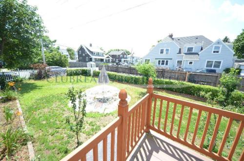 4 bed, $1,950 Photo 1