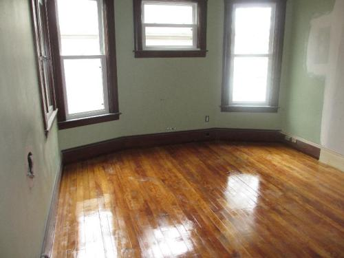 3 bed, $1,400 Photo 1
