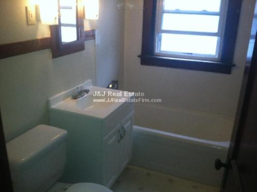 2 bed, $750 2R Photo 1