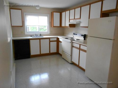 2 bed, $995 Photo 1