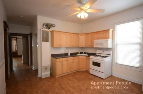 3 bed, $1,800 3 Photo 1
