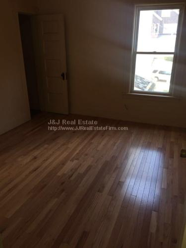3 bed, $1,100 3 Photo 1