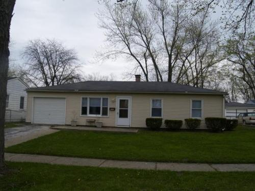 3 bed, $995 1 Photo 1
