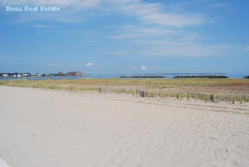 1 Beach Road #2 Photo 1