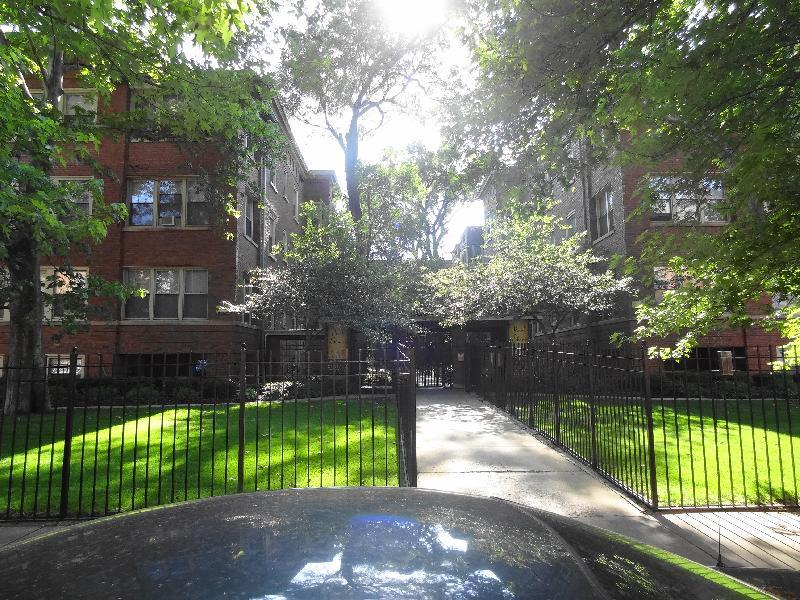 Apartment Unit 1B At 4310 N Sheridan Road Chicago IL