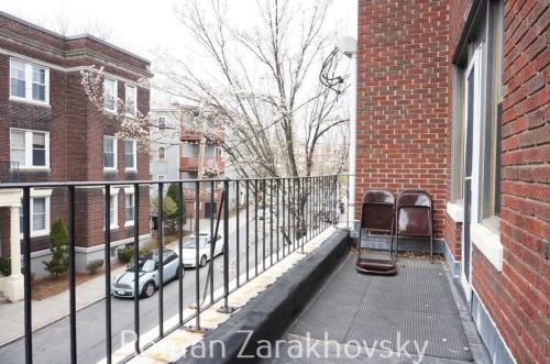 4 Carol Avenue Photo 1