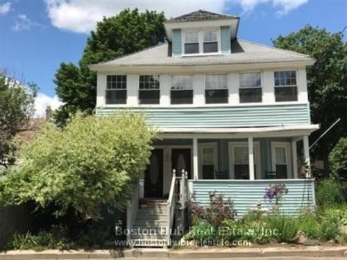 Middlesex Street Photo 1