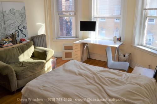110 Warren Street Photo 1