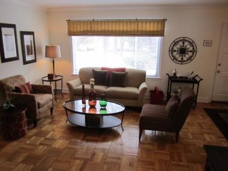 2 bed, $2,065 557 VFW PKWY Photo 1