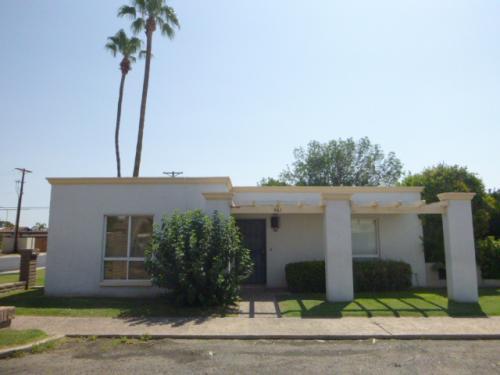 561 N Hobson Plaza Photo 1