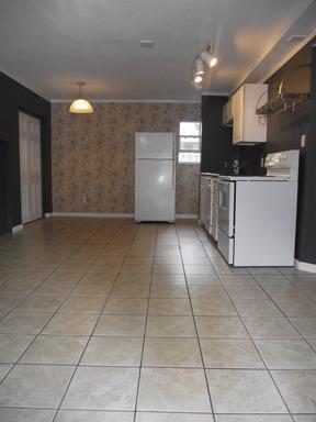 706-b NW 10 Avenue Photo 1