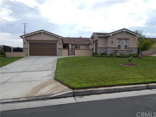 8025 Armagosa Drive Photo 1