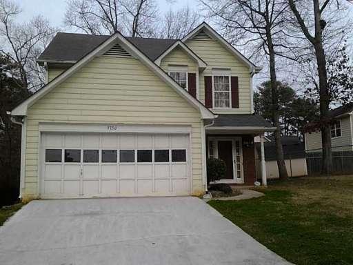 3730 Oakwood Manor Photo 1