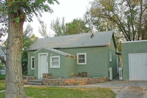 706 Howard Avenue Photo 1