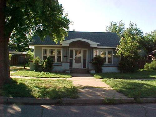 205 4th Street SE Photo 1