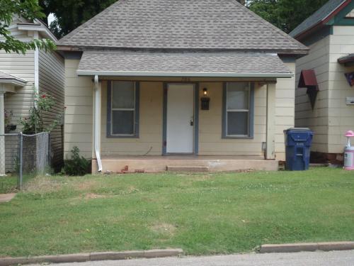 706 E Harrison Ave Photo 1