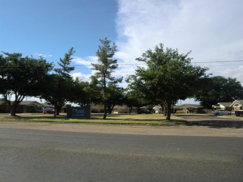501 Plaza Dr Photo 1