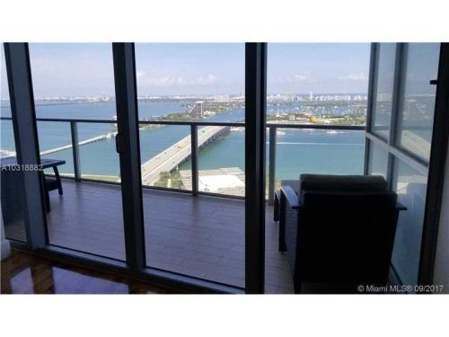 1100 Biscayne Blvd Photo 1